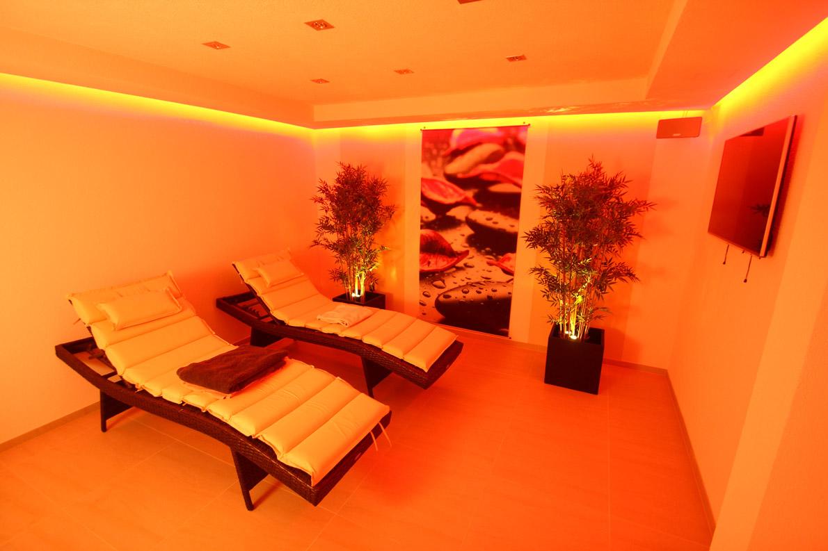 eigenes fitnessstudio zu hause fitnessraum einrichten badezimmer schlafzimmer sessel m bel. Black Bedroom Furniture Sets. Home Design Ideas